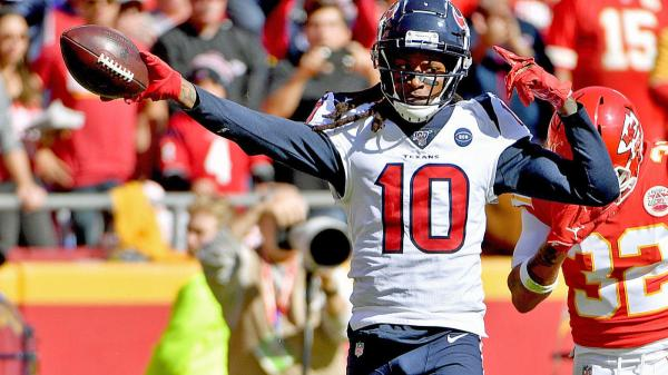 DeAndre Hopkins leads the way of all wide receivers in fantasy football that changed teams this NFL offseason