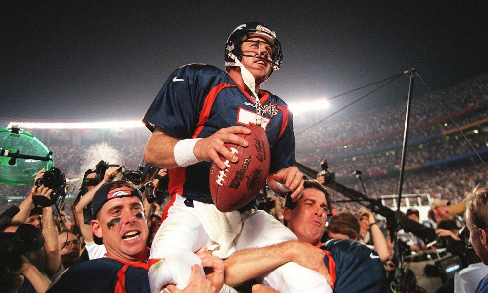 John Elway carried off field after Super Bowl victory