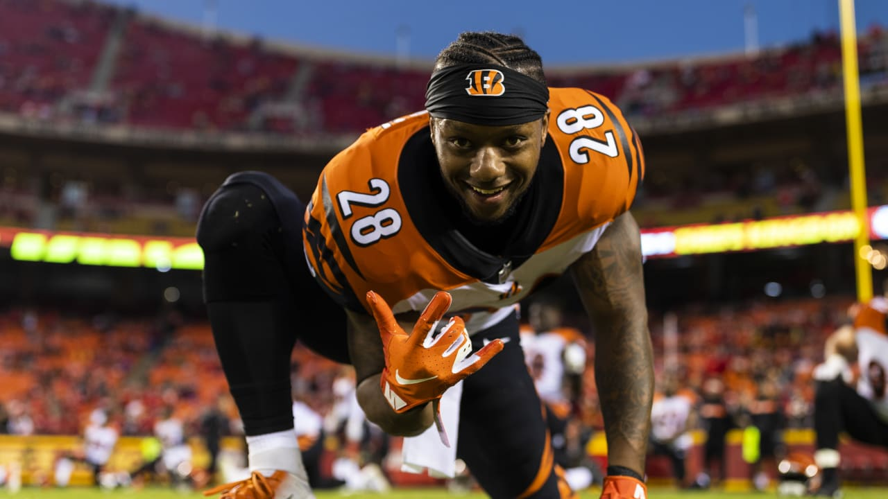 It's a prime time to trade for Joe Mixon in fantasy football