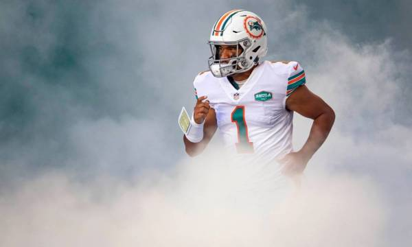 Tua Tagovailoa should 100% be the Dolphins starting quarterback heading into 2021