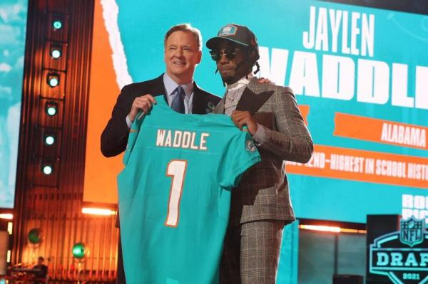 The Miami Dolphins made Alabama wide receiver Jaylen Waddle the sixth-overall selection in the 2021 NFL Draft